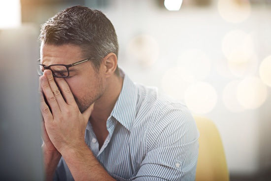 An employee loses concentration as a result of his allergy symptoms.